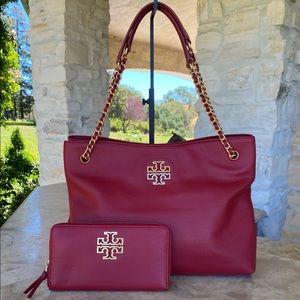 NWT Tory Burch logo triple compartments bag&wallet